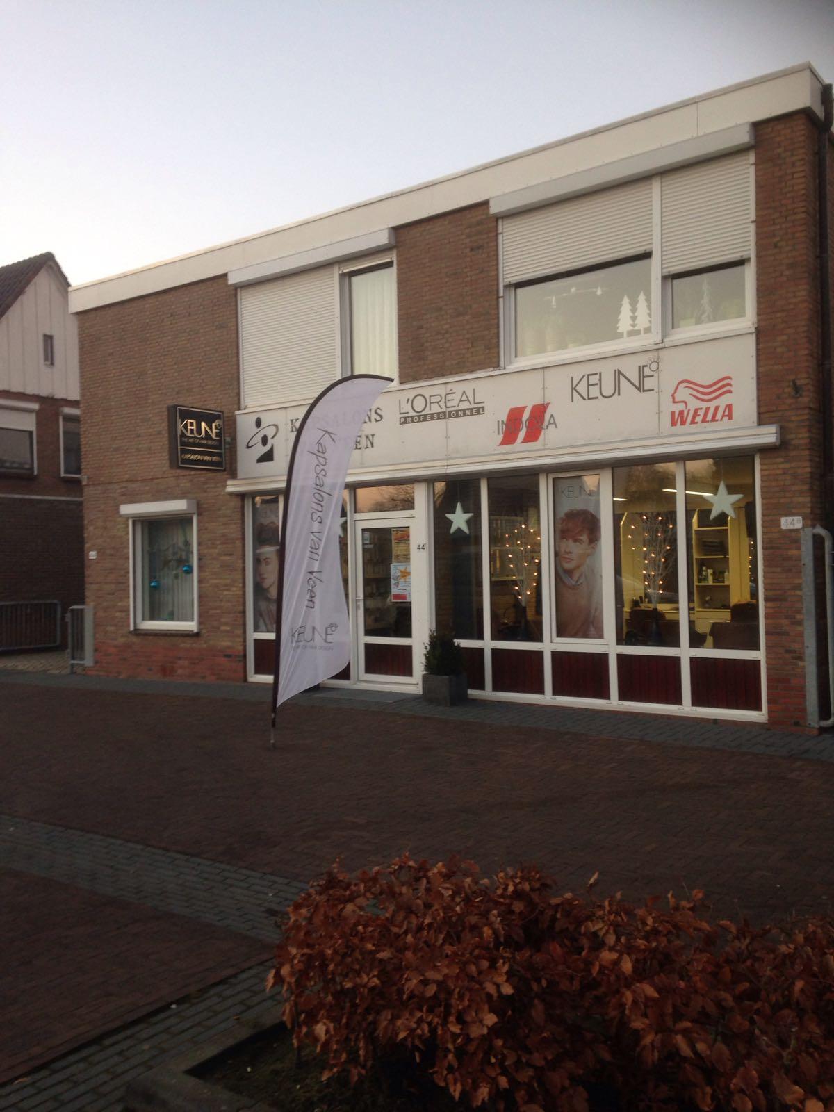Kapsalons van Veen - Barger Oosterveld, Emmen, Splitting, Kapper